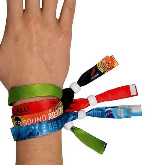 Bracelet involiable publicitaire personnalisé