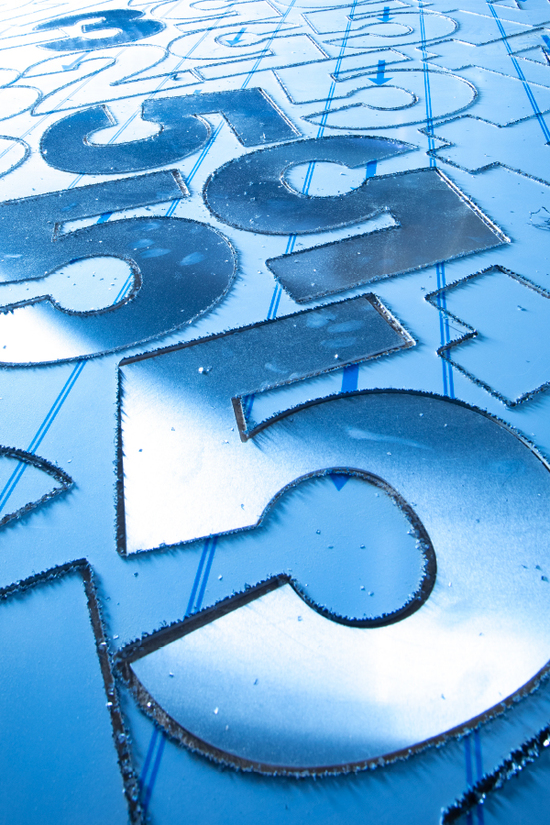 Découpe lettre aluminium signalétique Montélimar
